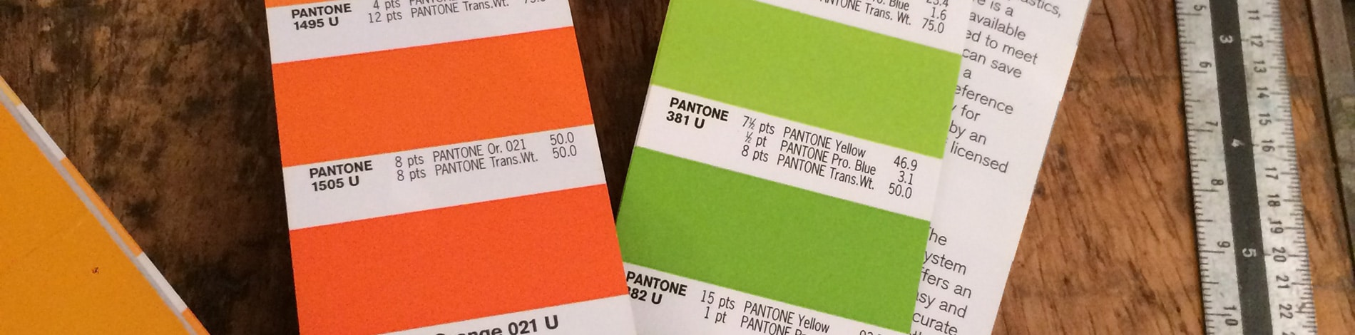 Detail Pantone-Fächer